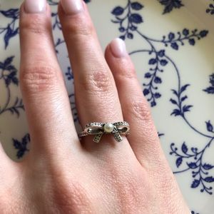 Pandora Delicate Sentiments Silver Pearl Bow Ring